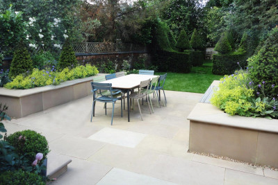 Buff Smooth Sandstone Pencil Round Coping Stones