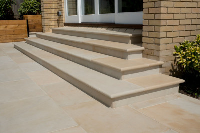 Harvest Smooth Sandstone Bullnose Step