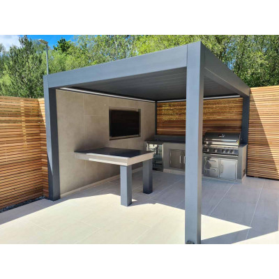 Pinela Deluxe Louvered Roof
