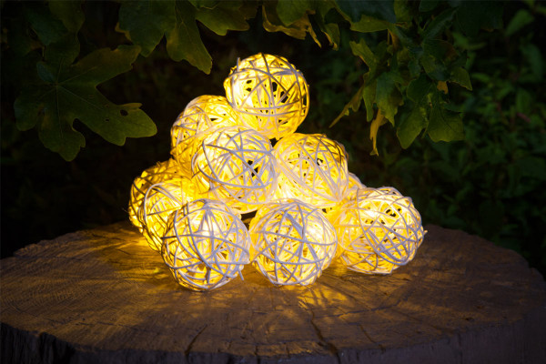 Solar LED Rattan Ball Light String