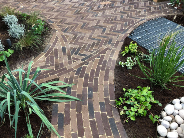 Harrison Gardens, www.harrison-gardens.co.uk   Image Displaying Rotterdam Clay Pavers mixed with Aldridge Clay Pavers
