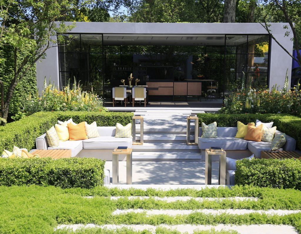 LG Eco City Garden featuring Jura Grey Limestone Paving