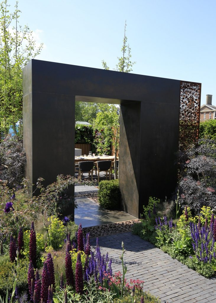 Urban Flow With Thames Garden By Garden Club London