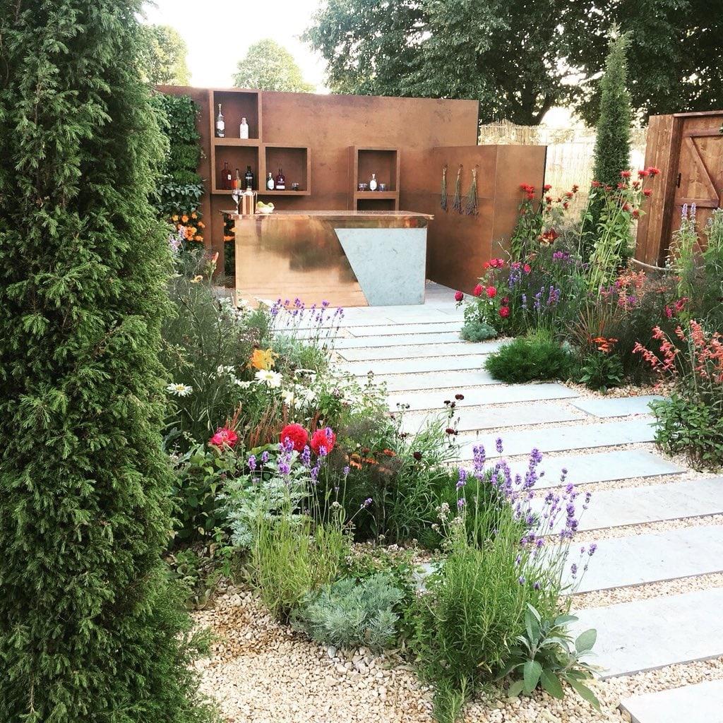 Anca Panait - The Entertaining Garden