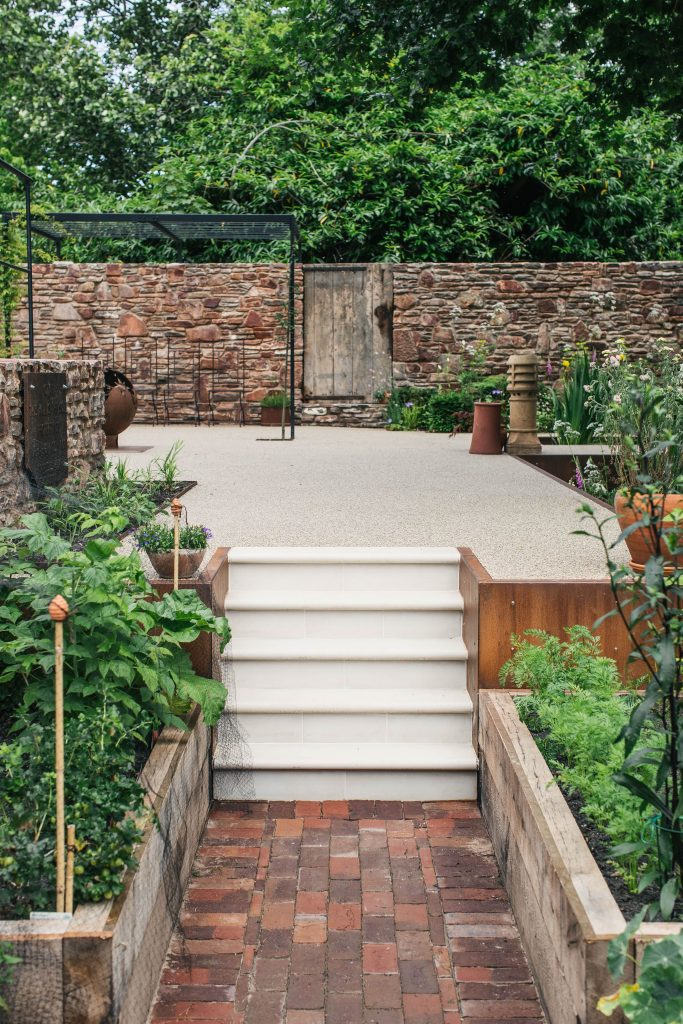 APL Award Winner Artisan Landscapes Step-up To The Challenge