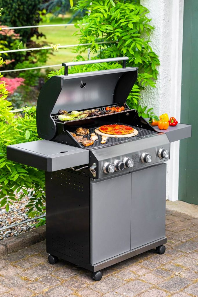This Hybrid BBQ is perfect for hosting dinner parties with friends and family in your outdoor space.