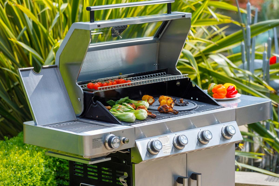 Cook a delicious meal in the garden on a Hybrid BBQ
