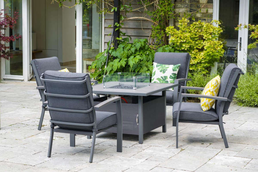 This metal garden furniture will bring instant luxury to any garden.