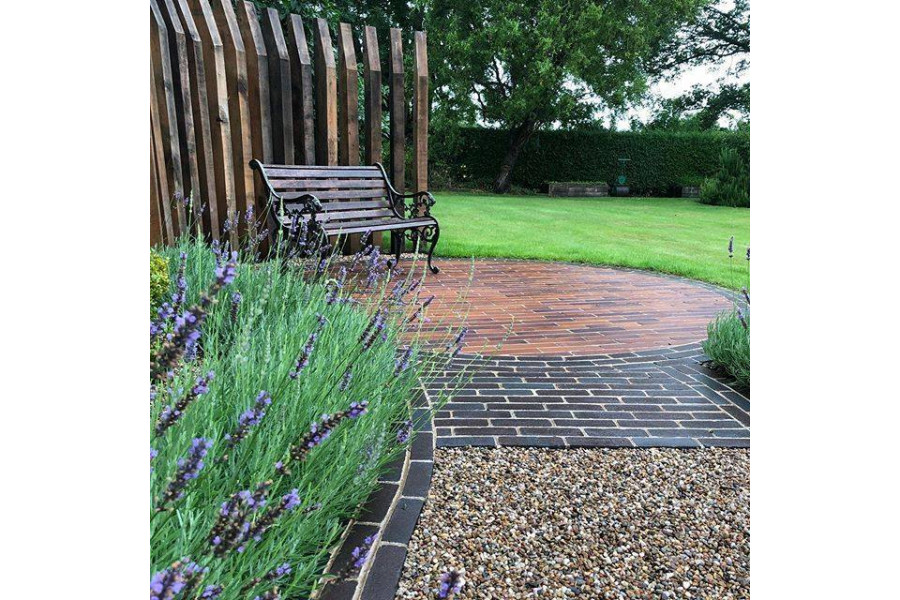 This project of mixed packs of clay pavers from Chelmer Valley makes a stunning design.