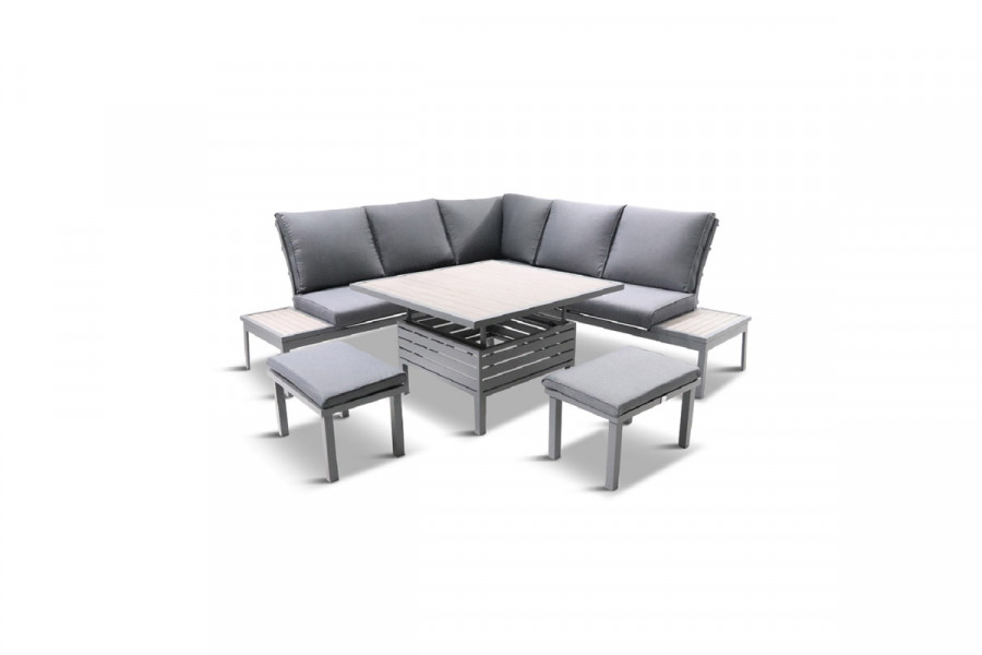 Spend your days relaxing in the garden on this comfortable and practical garden furniture.
