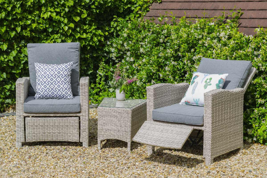 relax and recline in these comfortable garden armchairs.