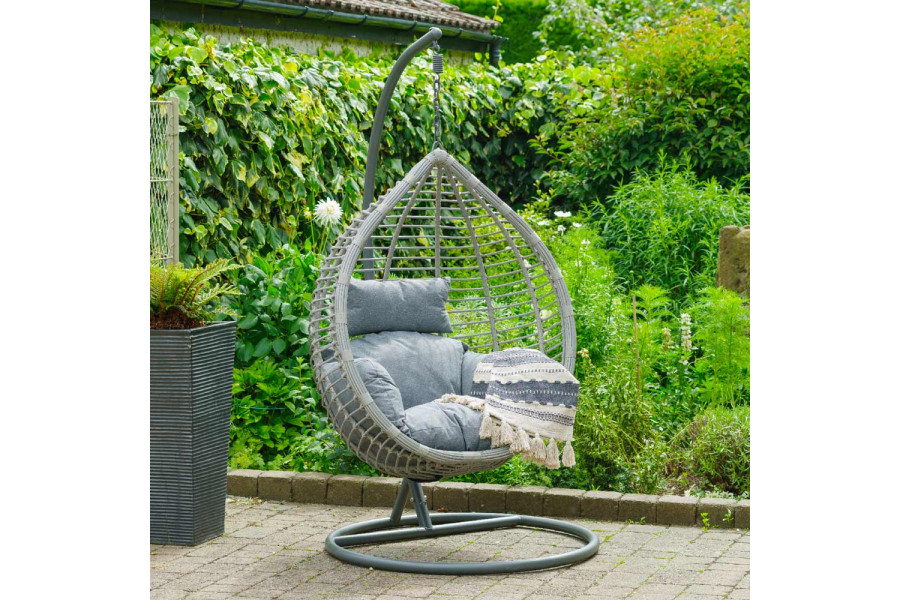 Spend the day relaxing in the garden in an egg chair.