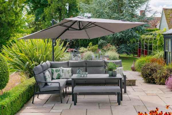 Create An Outdoor Lounge In Your Garden
