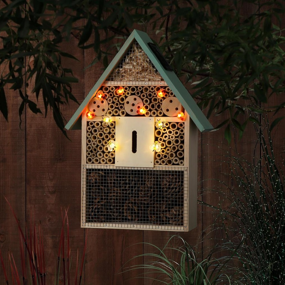 This bee hotel is the perfect habitat for bees and insects and is also a garden light.
