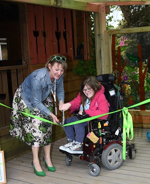 Ann-Marie & Amana Beale ribbon cutting, Helen and Douglas House, Oxford