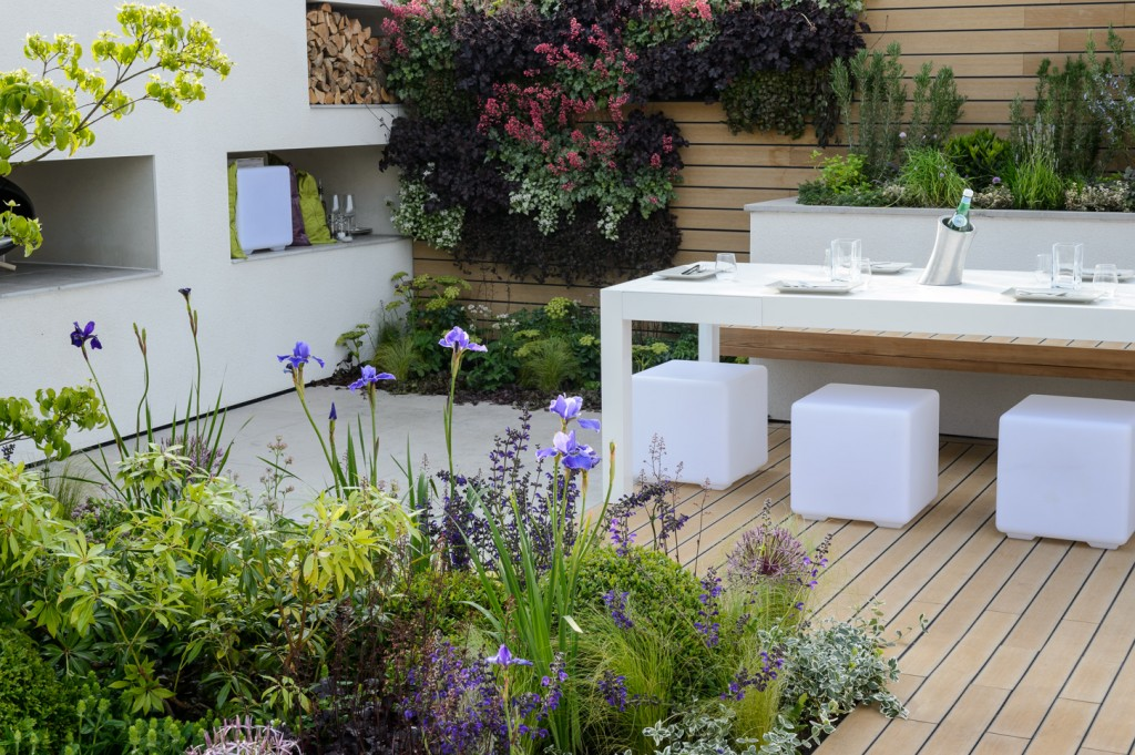 Lifestyle Garden Sociability Designed by Neil Sutcliffe. Best In Show
