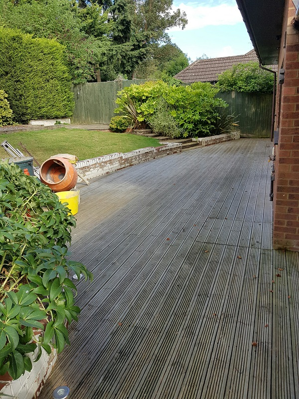 Welwyn garden before work commenced - Paul Newman Landscapes