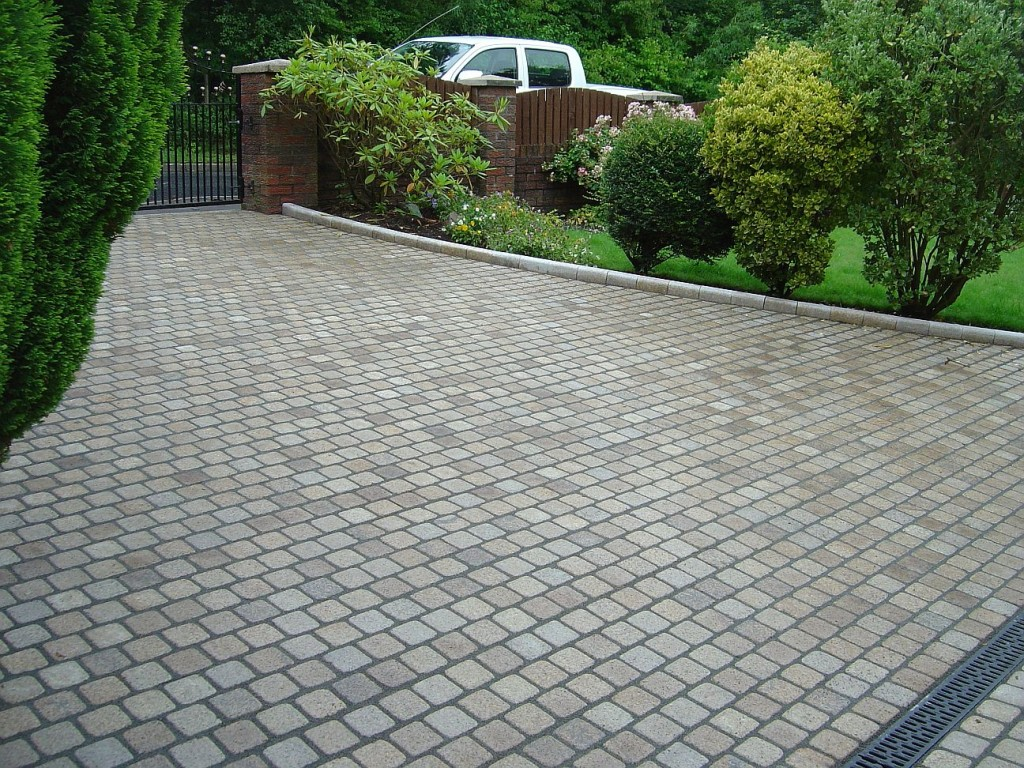 vdw 850 used for Grouting Granite Sett Driveway